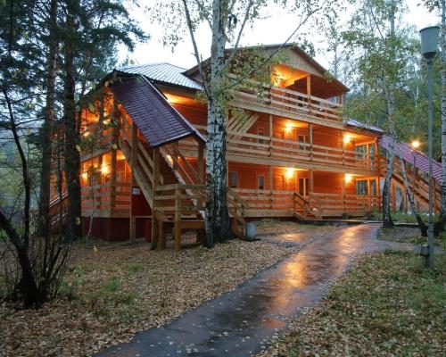 Стоимость размещения в деревянном благоустроенном доме